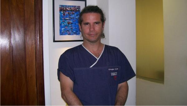 """""""Nuestro Centro Cardiológico tiene todo"""" dijo el mundialmente reconocido cardiocirujano Gabriel Castillo quien valoró la calidad técnica del personal"""