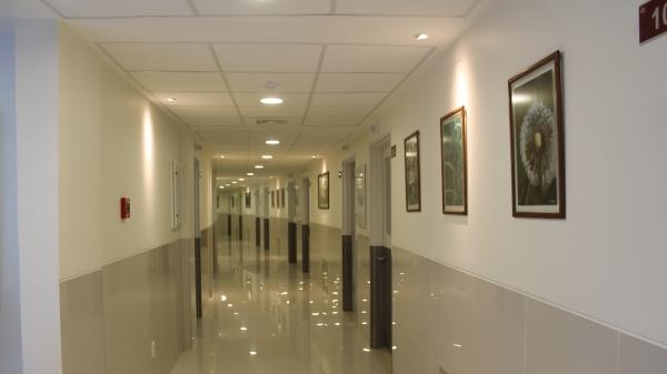 Suspendemos las visitas y limitamos a 1 el número de acompañante por paciente como medida preventiva en el marco de la emergencia sanitaria nacional por el COVID-19